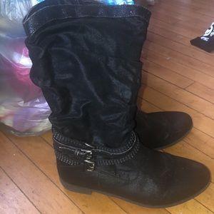 Shoes - Women's size 8 black shiney boots